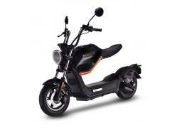 Sunra Miku Max Midnight Black E-scooter