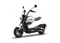 Sunra Miku Max Pure White E-scooter